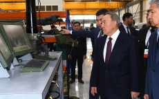 Nursultan Nazarbayev visits LLP Kazakhstan Paramount Engineering armored wheeled vehicle production plant